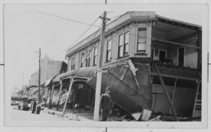 Corner of Market and Heretaunga Streets, Hastings, after the 1931 Hawke's Bay earthquake