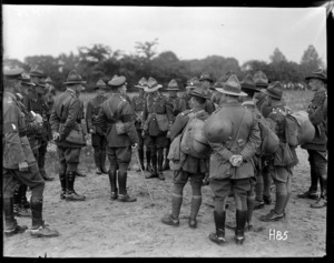 General Russell inspects New Zealand troops