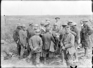New Zealand soldiers examining German prisoners' papers, World War I