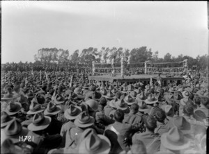 Crowd of soldiers watching a boxing match at the New Zealand Divisional Sports, Authie