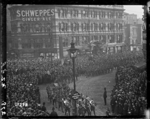 New Zealand troops marching in London at the end of World War I