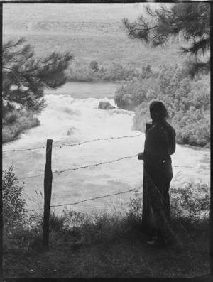 Zeila Wells at Rainbow Rapids, Atiamuri