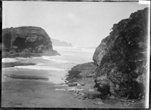 Te Henga Beach looking south