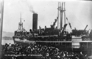 The SS Willochra leaving port during World War I with the sixth reinforcements on board