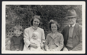 Locke family at Auckland Zoo
