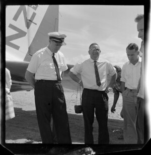 Captain Daniells with unidentified group, Airlines of New Zealand, Taupo