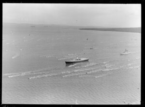 Royal Yacht Britannia arriving at Auckland