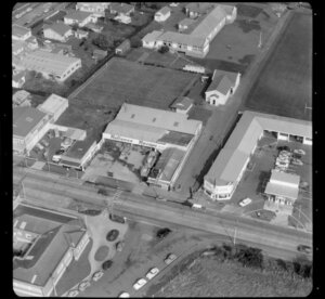 Great South Road, Otahuhu, Auckland with Otahuhu Primary School and Reliance Recaps