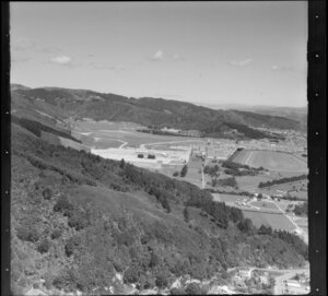 Trentham, Upper Hutt, Wallaceville Hill in foreground