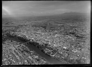 Hamilton city and the Waikato River