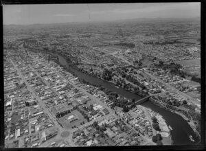 Hamilton city and the Waikato River