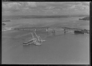 Auckland Harbour Bridge extensions under construction