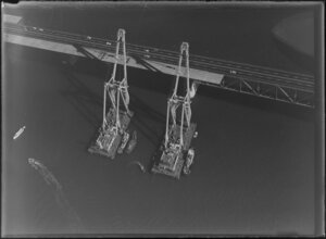 Auckland Harbour Bridge extensions with 'Nippon Clipon' cranes