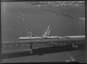 Auckland Harbour Bridge extensions with 'Nippon Clipons' and cranes