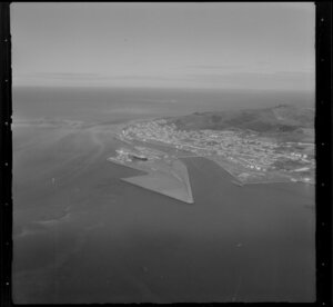 The Bluff, Invercargill showing port facilities and Bluff Hill