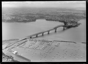 Westhaven, including Auckland Harbour Bridge in the background
