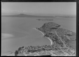 Bucklands Beach, Auckland, including Rangitoto Island in the background