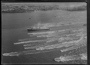 Royal Yacht Britannia entering Auckland Harbour