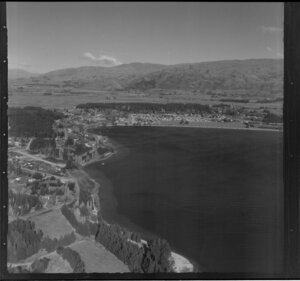 Wanaka township and Lake Wanaka, Otago