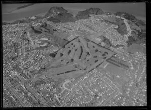 Mt Roskill, Auckland, Maungakiekie Golf Links in the centre