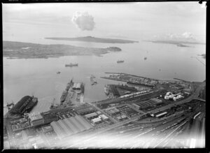 Auckland wharves and railways with shipping