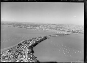 Auckland Harbour Bridge, including Northcote in the foreground