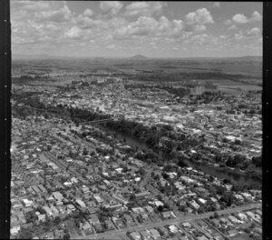 Central Hamilton with Claudeville Bridge over Waikato River and Lake Rotoroa on right
