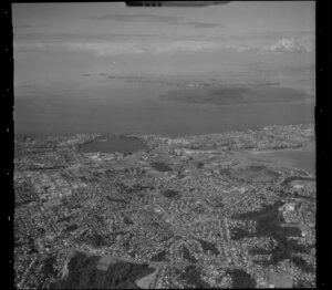 Glenfield, north of Takapuna, from high altitude