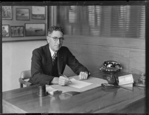 Tasman Empire Airways Ltd director Sir Wilmot Hudson Fysh