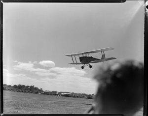 Royal New Zealand Air Command RAC Pageant at Mangere, de Havilland Tiger Moth aircraft in flight