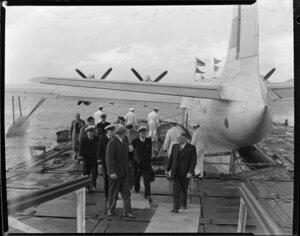 Tasman Empire Airways Ltd Short Solent flying boat RMA Ararangi ZK-AMM arrival in Auckland