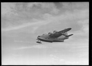 Tasman Empire Airways Ltd Short Solent flying boat RMA Ararangi ZK-AMM arriving in Auckland