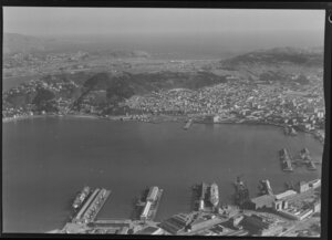 Wellington harbour looking towards the South