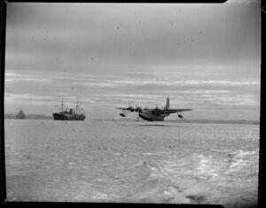 Tasman Empire Airways Ltd, Solent IV flying boat, RMA Aotearoa II, ZK-AML, landing, Mechanics Bay, Auckland