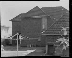Rear view of the American Consulate's house, Auckland