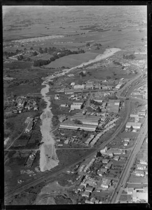 Penrose, Auckland, with the southern motorway under construction