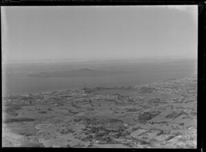 Takapuna, with Rangitoto Island in the background, Auckland