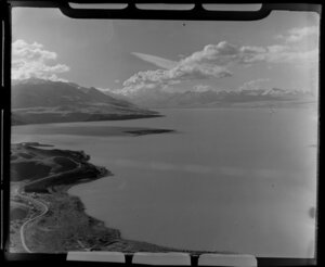 Lake Pukaki, Mackenzie District, Canterbury Region, including Southern Alps