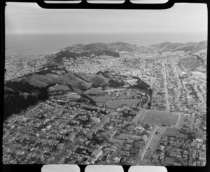 Wellington, showing Courtenay Place to Island Bay