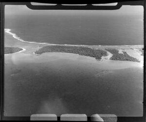 TEAL (Tasman Empire Airways Limited) Tahiti flight over Islands