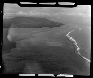 TEAL (Tasman Empire Airways Limited) Tahiti flight, showing lagoon and barrier reef