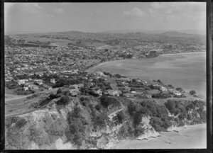 Coast from Glendowie looking back to St Heliers Bay and Tamaki Drive, Auckland