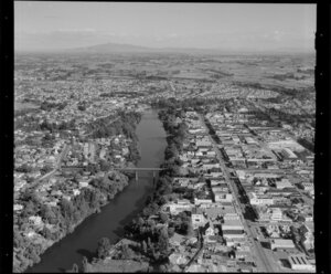 Hamilton, showing town, bridges and Waikato River