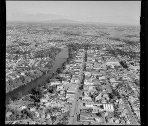 Hamilton, showing houses, bridges and Waikato River