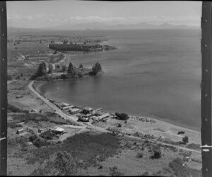 Edgewater, near Taupo, showing houses and lake