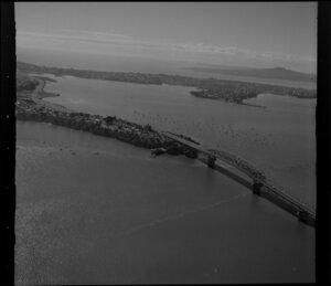 Auckland Harbour Bridge, Northcote