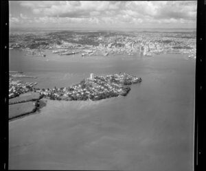 Stanley Point, Devonport, North Shore City, with Auckland City and Waitemata Harbour in background