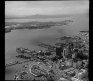 Auckland City Centre, Auckland, with wharves and Waitemata Harbour