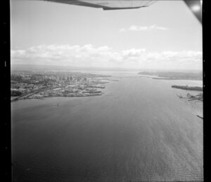 Auckland wharves and Waitemata Harbour