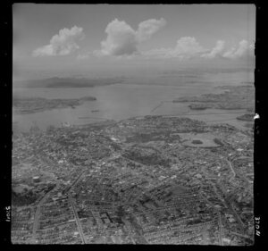 Auckland City, looking towards Rangitoto Island